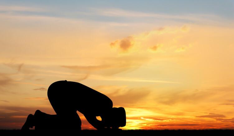 ¿Qué necesidad tiene Dios Omnipotente de nuestra adoración?